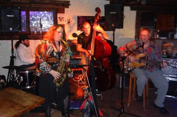 Live-Musik in Grindelwald - Challi Bar, Kreuz & Post