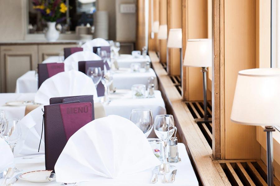 restaurant in grindelwald restaurant kreuz post. Black Bedroom Furniture Sets. Home Design Ideas